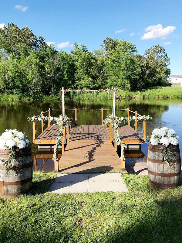 Dock/Ceremony Site Décor