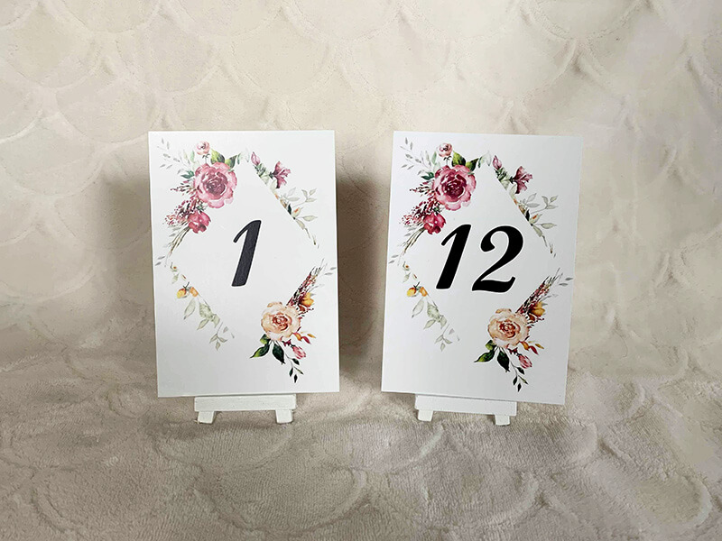 Table numbers with white mini easels
